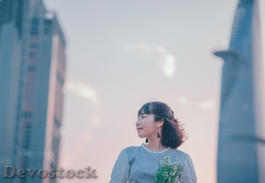 Devostock Person Woman Flowers 4K
