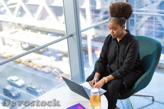 Devostock Woman Working Sitting 118112 4K