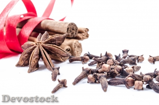 Devostock Cinnamon Clove Background Anseed 4K