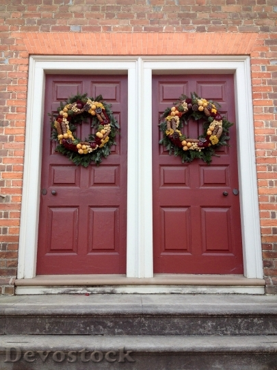 Devostock Doors Wreath Christmas Hoiday 4K