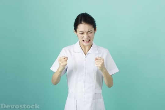 Devostock FEMALE NURSE WHO IS PISSING Angry