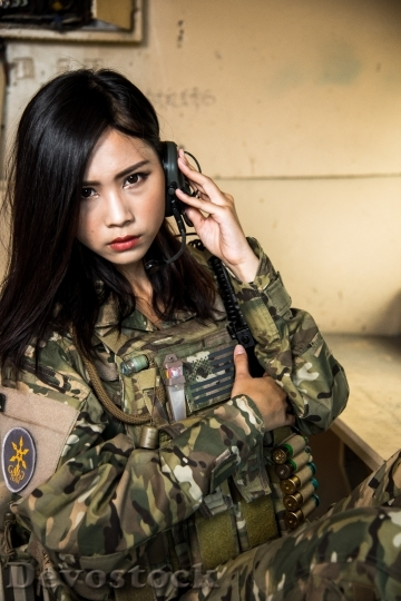 Devostock FEMALE SOLDIER COMMUNICATE HEADSET 3