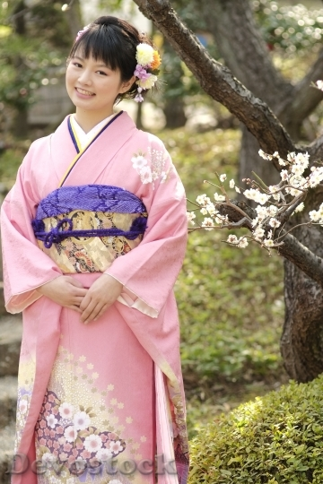 Devostock JAPANESE Girl Traditional Dress KIMONOS 2