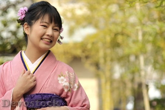 Devostock JAPANESE Girl Traditional Dress KIMONOS Smiling 3