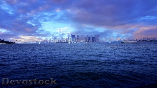 Devostock Light Sea City 24254 4K