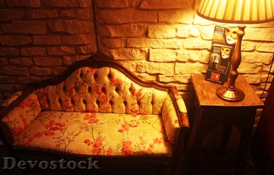 Devostock Lights Soffa Romantic Yellow 4K.jpeg