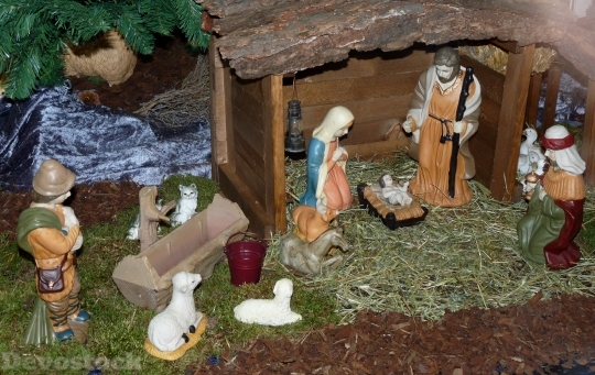 Devostock Nativity Scene Crib tall 4K