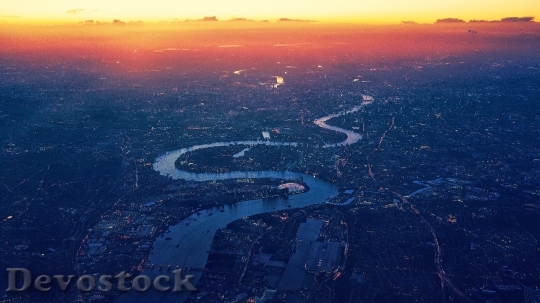 Devostock THAMES RIVER MEANDERING SUNSET