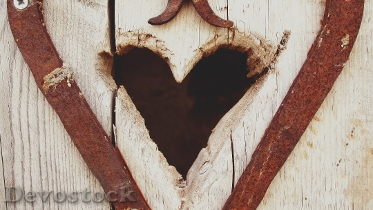 Devostock Wood Art Heart 16063 4K