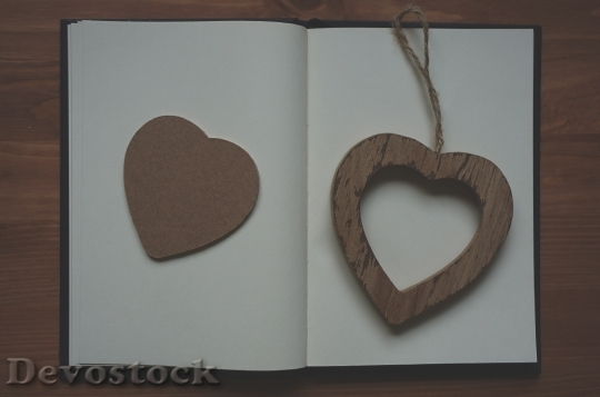 Devostock Wood Heart Sign 16357 4K