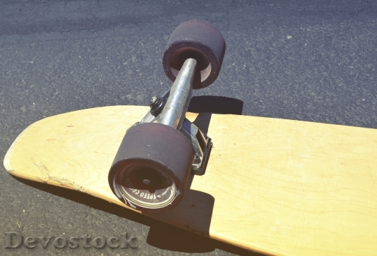 Devostock Wood Sport Skateboard 13114 4K