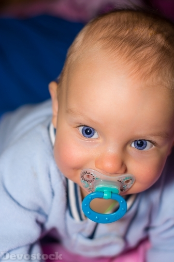 Devostock Baby Boy Small Face 4K