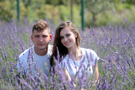 Devostock Beautiful Couples Man Girl Nature Smiling 4k