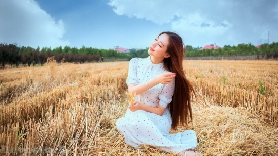 Devostock Beautiful Girl Wheat Field Smiling 4k