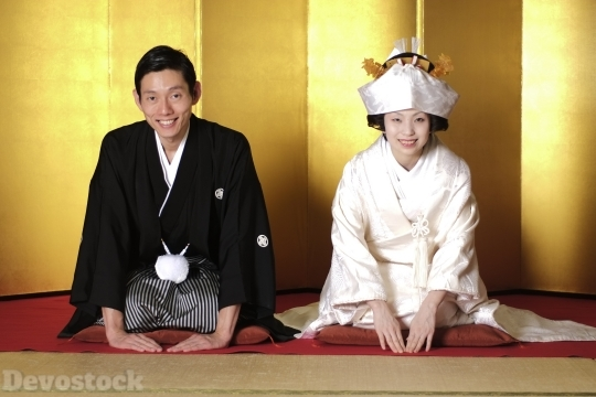 Devostock Beautiful Marriage Tradition Japan Couples Greeting 4k
