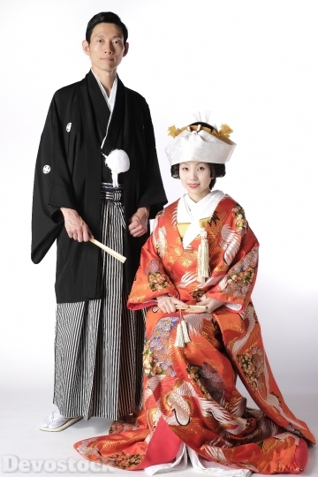 Devostock Beautiful Marriage Tradition Japan Couples Haori Colorful Bride Groom 4k