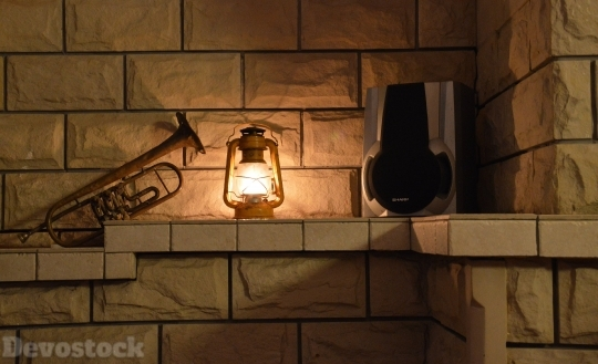 Devostock Fire Light Old Fashioned Kerosene 4k