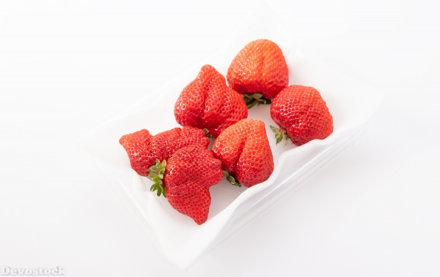 Devostock Fruits Food Healthy Strawberry Heart White Background 4k