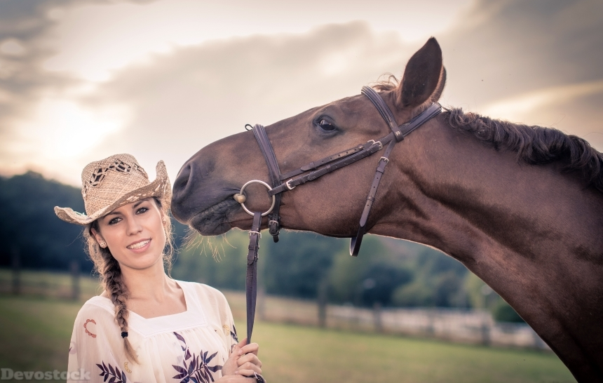 Devostock Girl Horses Hat Head Love Friendship 4K