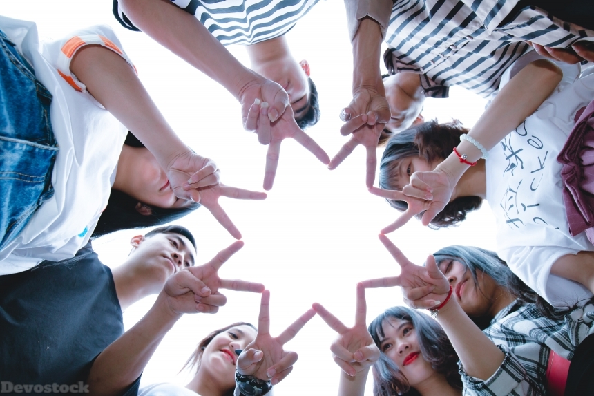 Devostock Group People Star Eight Points Men Women Unity Friendship Teamwork 4k