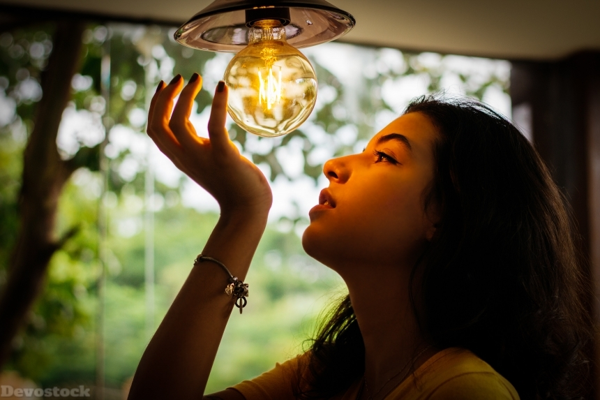 Devostock Illuminated Light Girl Bulb 4k