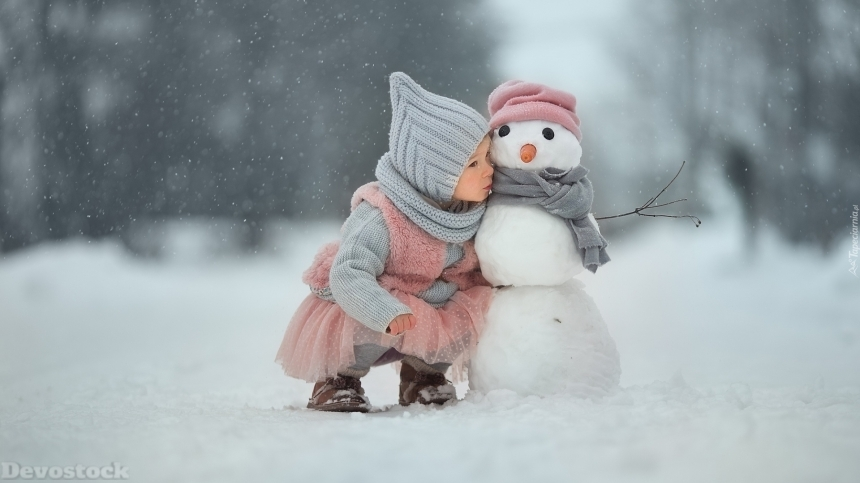 Devostock Little Girl Snowman Love Kiss Cold Weather Winter 4k