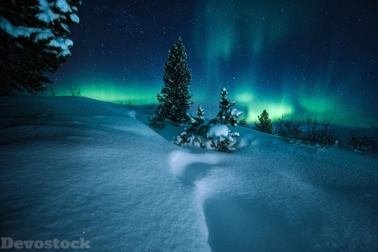 Devostock Northern Lights Arctic Circle Norway 07 4K