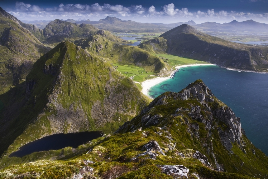 Devostock Norway Lofoten Coast Mountains Vagen 4K