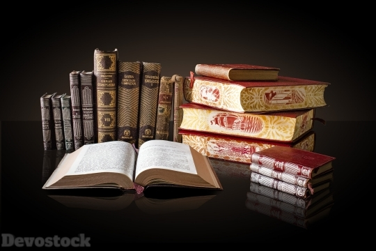 Devostock Photography Lights Books Group 4k