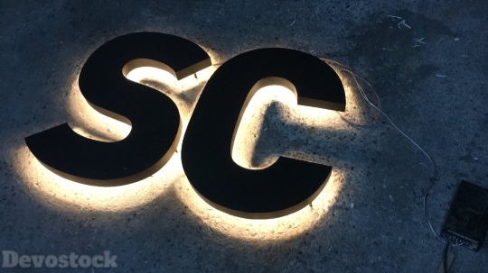 Devostock Photography Lights SC Logo 4k
