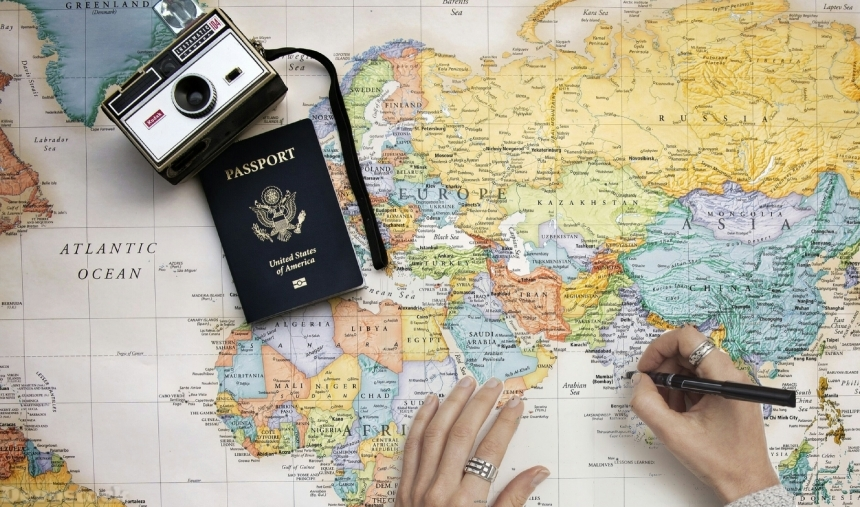 Devostock Pin Hand Map Travel Passport Camera Pen World Plan 4k