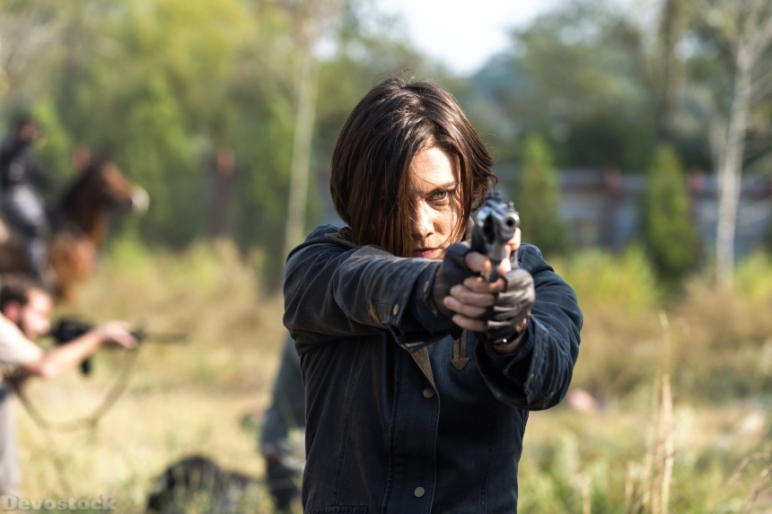 Devostock The Walking Dead TV Pistols Lauren Cohan 7 Brown Gun Haired Celebrities Girl 4k