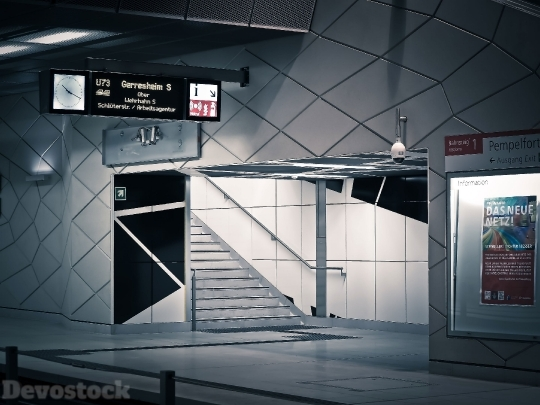 Devostock Underground Station Train 4k