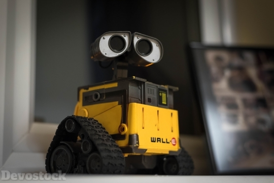 Devostock Wall E Robot Figure Movie 4K