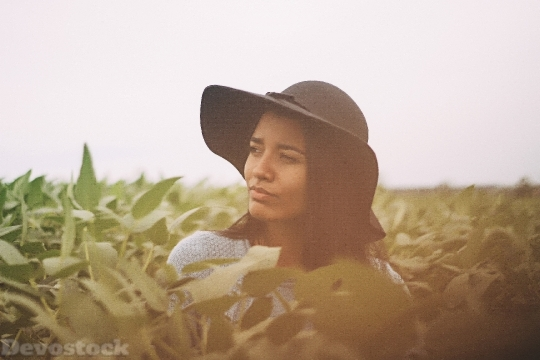 Devostock Woman Girl Hat Field 4K