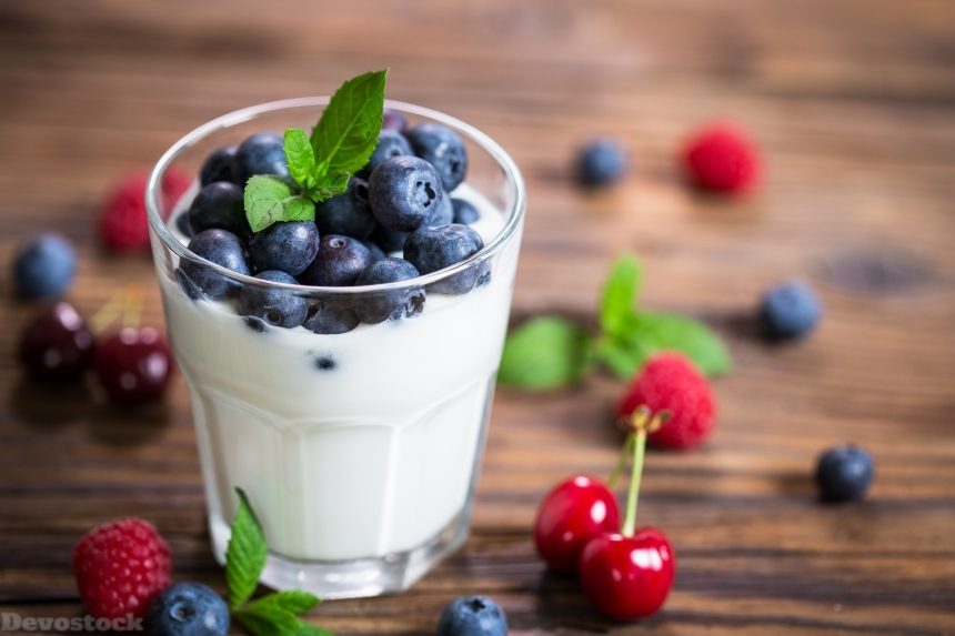 Devostock Yogurt Healthy Blueberries Highball Glass 4K
