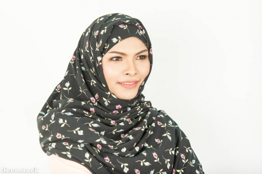 Top Hijab Images collection Muslim women Girls  (132)