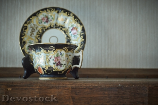 Devostock Cup Saucer Antique Family