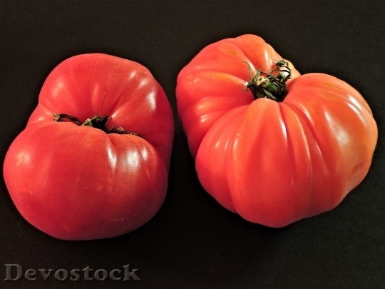Devostock Tomatoes Zapotec Pleated Heirloom