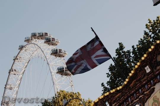 Devostock Union Flag Ferris Wheel
