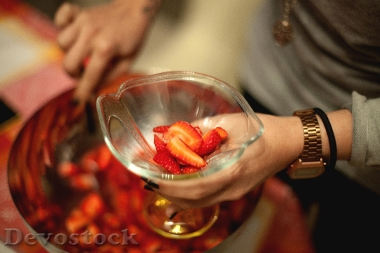 Devostock Strawberries Glass Bowl Cup