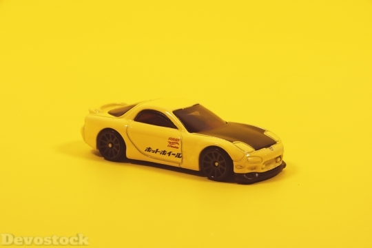 Devostock Yellow Cute Model 98206 4K